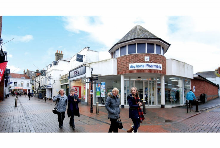 7 High Street<br>Cowes<br>Isle of Wight<br>PO31 7SA