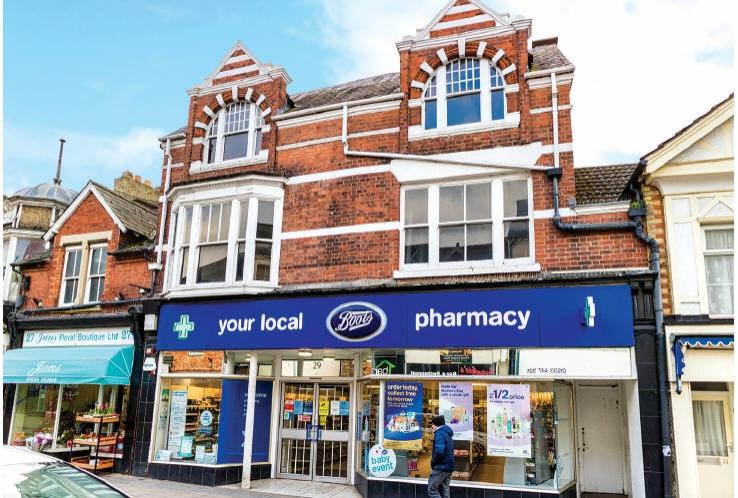 27 / 29 High Street<br>Rushden<br>Northamptonshire<br>NN10 0QE