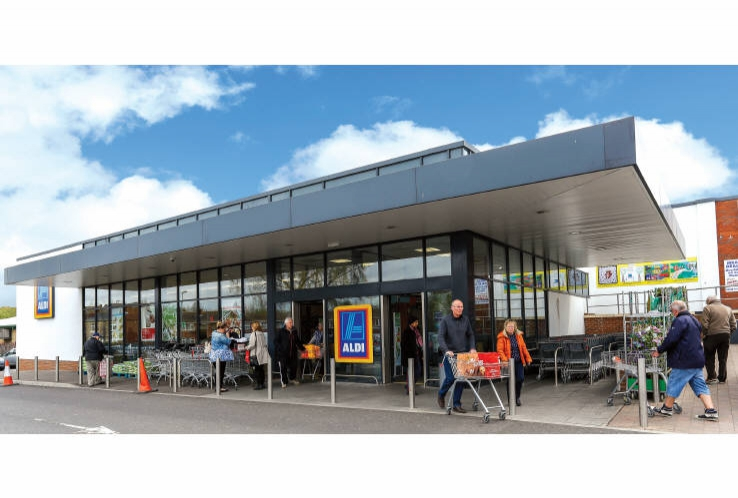Aldi Supermarket (and Units 1-6 Parkside Shopping Centre)<br>Killamarsh<br>near Sheffield<br>South Yorkshire<br>S21 1FY