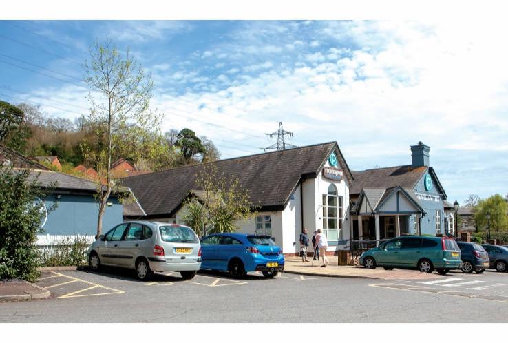 The Willow Tree Public House<br>Condor Way<br>Torquay<br>Devon<br>TQ2 7TG