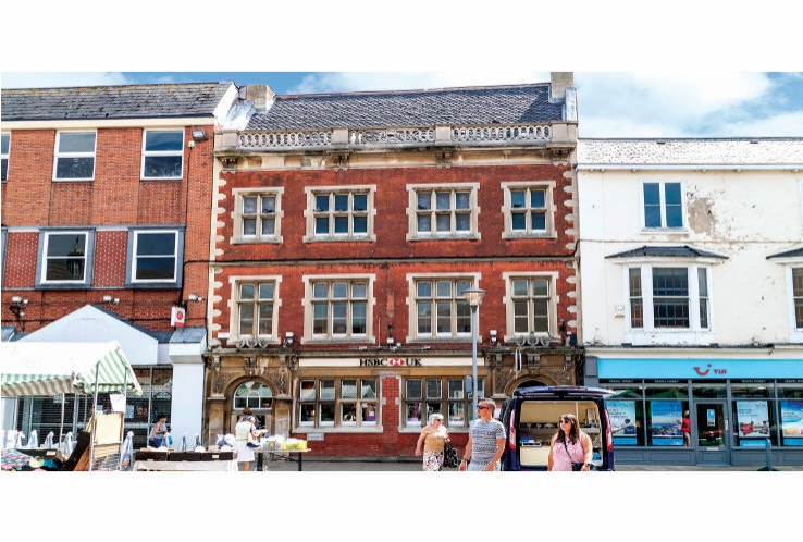 21 Market Place<br>Gainsborough<br>Lincolnshire<br>DN21 2BU
