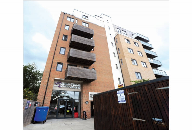 Units 1 - 4<br>44 - 52 High Street<br>Hounslow<br>Greater London<br>TW3 1NW