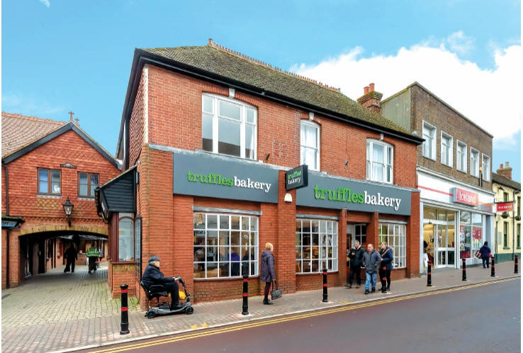 15 & 15A High Street<br>Hailsham<br>East Sussex<br>BN27 1AL