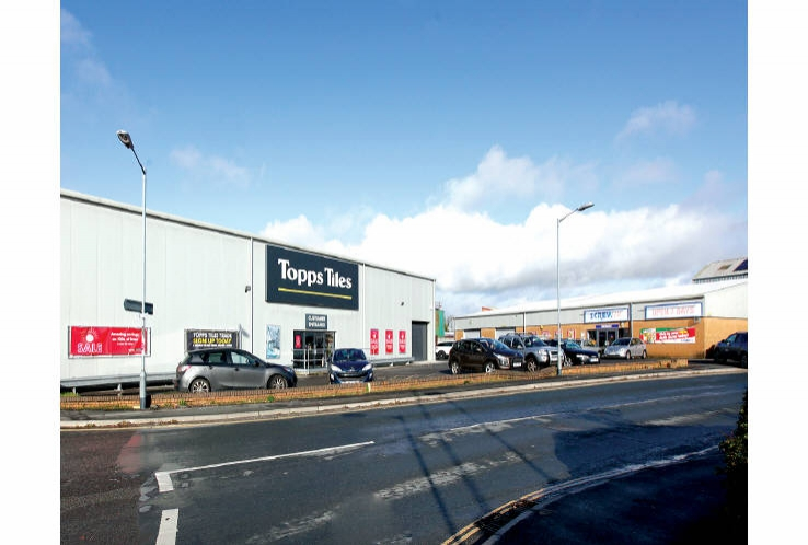 Screwfix<br>4 Avery Way, Tamar View Industrial Estate<br>Saltash<br>Cornwall<br>PL12 6LD