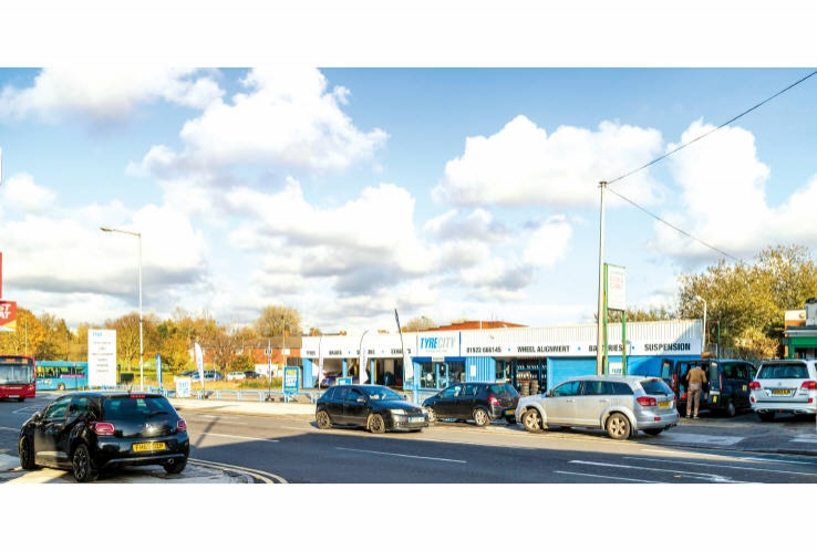 Kwik Fit<br>131 Stafford Street<br>Walsall<br>West Midlands<br>WS2 8EA