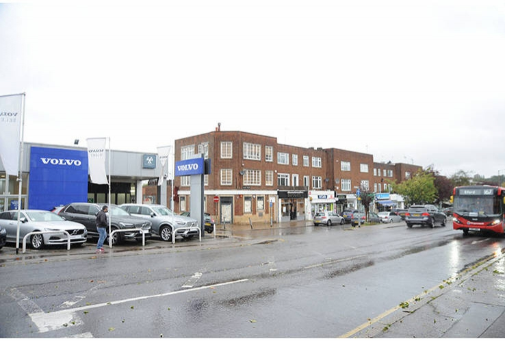 1 and 1A Brooke Parade<br>High Road<br>Chigwell<br>Essex<br>IG7 6PE