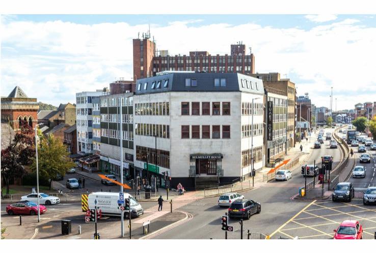 Stuart Hotel<br>74 Stuart Street (A505) and 37 Upper George Street<br>Luton<br>Bedfordshire<br>LU1 2SW
