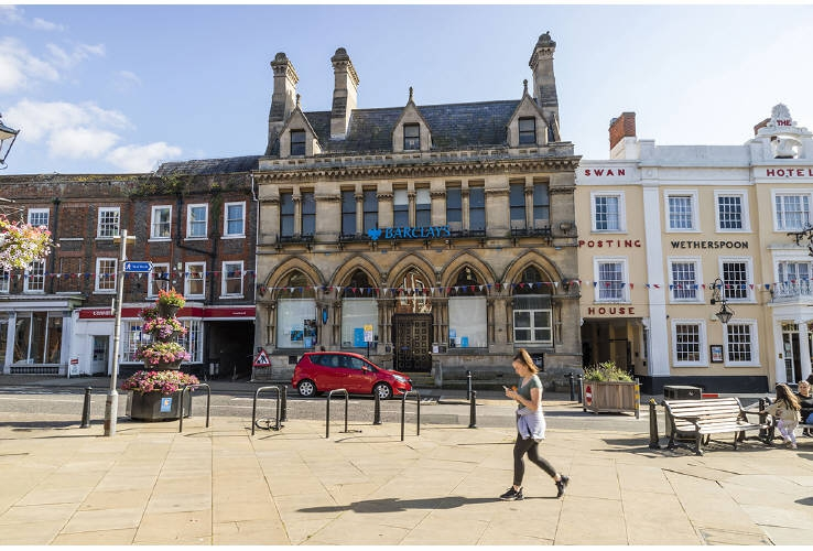 Barclays Bank, 2 Market Square, Leighton Buzzard, Bedfordshire, LU7 1EY