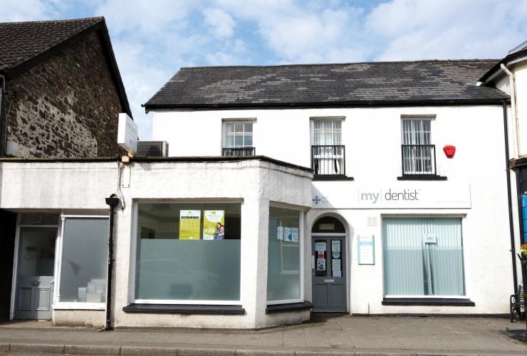 Lomead House, St John's Road, Whitland, Carmarthenshire, SA34 0AP